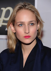 Leelee Sobieski looked very girly with her bright pink lipstick.