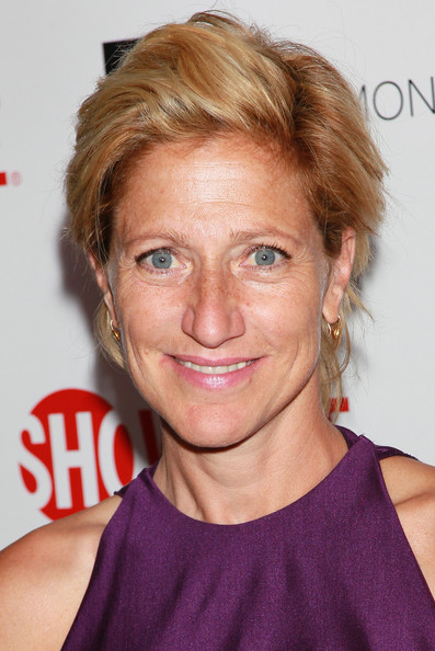 Edie Falco kept it casual with this short side-parted 'do at Showtime's 2010 Emmy nominees reception.