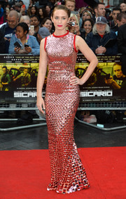 Emily Blunt looked simply flawless at the 'Sicario' UK premiere in a Prada paillette-embroidered gown that fit her like a glove.