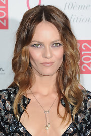 Vanessa Paradis wore her long hair in gentle waves at the 2012 Sidaction Gala Dinner.