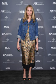 Lauren Santo Domingo dressed down her look with a denim jacket.