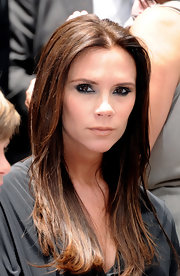 Victoria Beckham went for lots of smoky black eye liner at Simon Fuller's Hollywood Walk of Fame ceremony. She also added a few silvery shades to the mix for a little highlight.