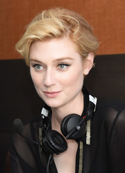 Elizabeth Debicki sported a casual messy hairstyle on day 3 of Comic-Con 2016.