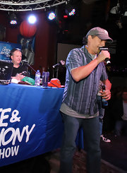 Anthony Cumia kept it cool and casual with a short-sleeve striped button-down.