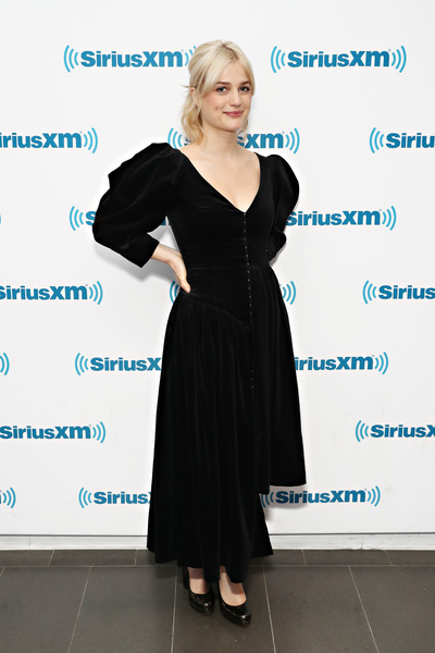 Alison Sudol was vintage-chic in a black velvet dress with puffed sleeves while visiting SiriusXM's Town Hall.