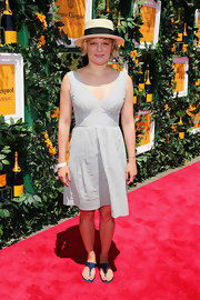 Martha Plimpton chose a light blue V-neck dress for her summertime-inspired red carpet look.