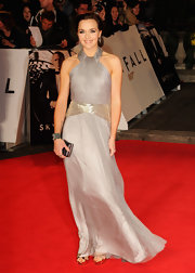 We loved the airy silvery style of Victoria's long gown at the 'Skyfall' premiere.