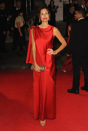Minnie Driver looked elegant in this red silk evening dress at the 'Skyfall' premiere.