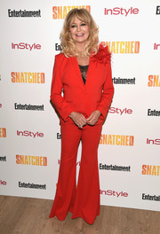 Goldie Hawn suited up in this wide-leg pants and jacket ensemble by Badgley Mischka for the New York premiere of 'Snatched.'