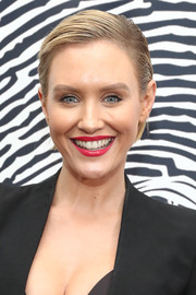 Nicky Whelan wore a short side-parted hairstyle at the unveiling of the Cool HeART Gallery.
