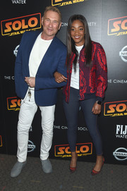 Tiffany Haddish completed her outfit with a pair of jeggings.