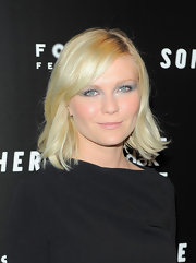 Actress Kirsten showed off metallic, silver shadow drenched on her upper lids lids.