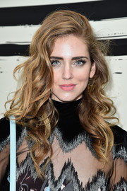 Chiara Ferragni looked absolutely gorgeous with her flowing curls at the Sonia Rykiel fashion show.