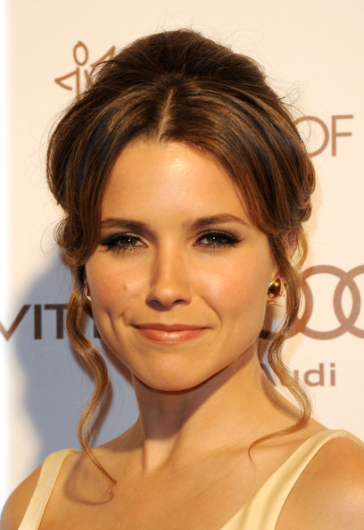 Sophia Bush Bobby Pinned updo