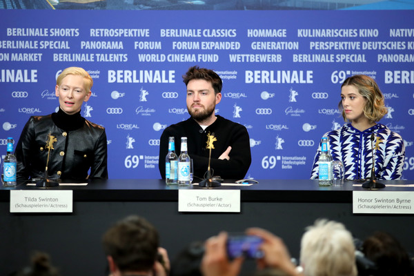 More Pics of Tilda Swinton Short Side Part (1 of 11) - Short Hairstyles Lookbook - StyleBistro [the souvenir press conference,the souvenir,event,news conference,media,world,tilda swinton,honor swinton-byrne,tom burke,l-r,grand hyatt hotel,berlin,berlinale international film festival,press conference]