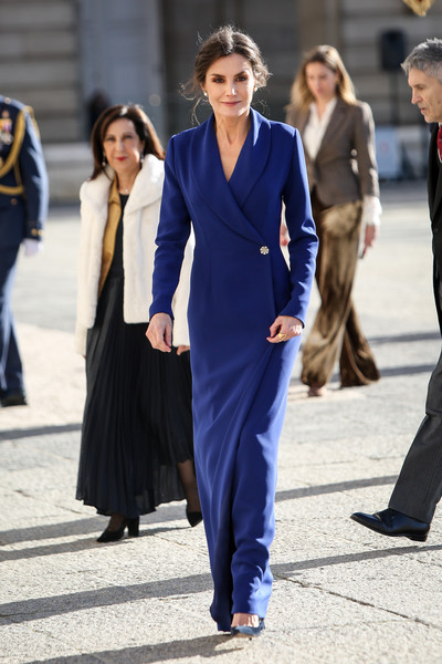 More Pics of Queen Letizia of Spain Pearl Studs (5 of 49) - Pearl Studs Lookbook - StyleBistro [suit,clothing,street fashion,cobalt blue,fashion,blue,electric blue,pantsuit,formal wear,white-collar worker,letizia,spain,madrid,royal palace,new year military,spanish royals celebrate new year,military parade 2020,celebration,parade,letizia of spain,dress,fashion,tuxedo,gown,skirt,blazer,blue,jacket]