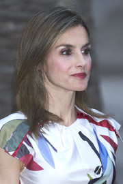 Queen Letizia of Spain highlighted her beautiful eyes with magenta shadow.