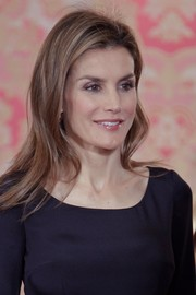 Princess Letizia looked fab with her subtly wavy layers during the Cervantes Award lunch.