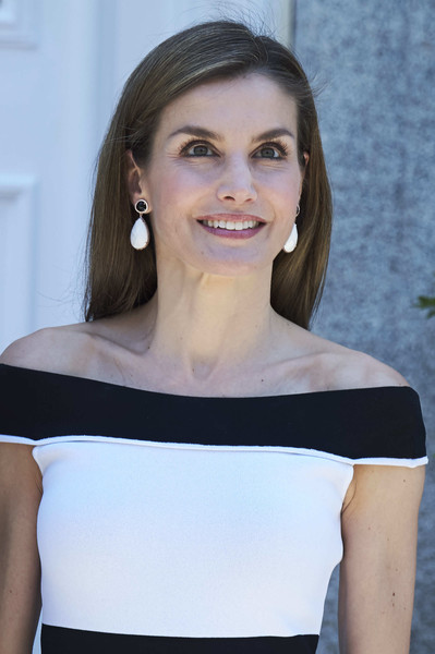 More Pics of Queen Letizia of Spain Long Straight Cut (1 of 6) - Long Hairstyles Lookbook - StyleBistro
