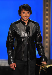 Robert Downey Jr. wore a unique leather jacket with black and gray tones.