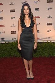 Jessica Gomes styled her sexy frock with the iconic Valentino Rockstud pumps in black.