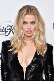 Hailey Clauson showed off gorgeous beach waves at the SI Sportsperson of the Year 2016.