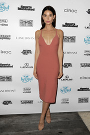 Lily Aldridge was simply stunning at the Sports Illustrated VIP boat cruise in a low-cut dusty-rose dress that fit her like a second skin.
