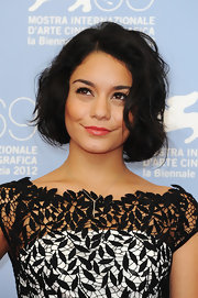 Vanessa wore her short dark hair in tousled waves at the Venice Film Festival.