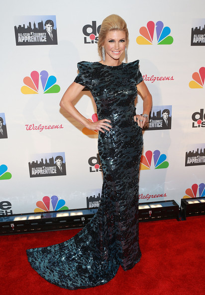 Brande Roderick chose a super cool futuristic frock with pointed shoulders and shimmery blue and black print for her look on the red carpet.