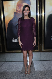 A deep plum lace dress gave Linzi Stoppard a soft and romantic red carpet look.