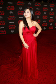 Kelly Marie Tran was a Valentine beauty in a red sweetheart-neckline strapless gown by Thai Nguyen Atelier at the premiere of 'Star Wars: The Last Jedi.'