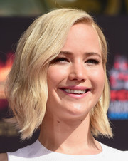 Jennifer Lawrence looked sweet with her short waves at the 'Mockingjay' hand and footprint ceremony.