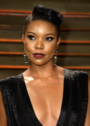 Gabrielle Union went for an ultra-modern vibe with this boxy pompadour at the Vanity Fair Oscar party.