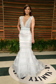 Paula Patton looked mesmerizing at the Vanity Fair Oscar party in a white Celia Kritharioti mermaid gown with a beaded bodice and a plunging neckline.