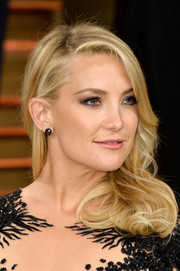 Kate Hudson adorned her lobes with a pair of Lorraine Schwartz gemstone studs for the 2014 Vanity Fair Oscar party.