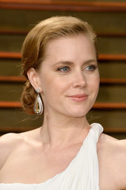Amy Adams oozed romance with this lovely side chignon at the Vanity Fair Oscar party.