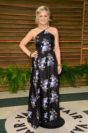 Amy Poehler donned a lovely print halter gown by Peter Som for the Vanity Fair Oscar party.