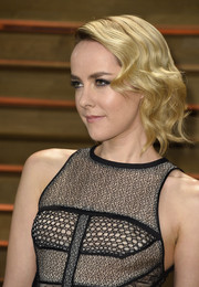 Jena Malone's finger-wave hairstyle at the Vanity Fair Oscar party totally looked like a work of art.
