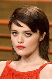 Sky Ferreira went the edgy route with straight layers and side-swept bangs when she attended the Vanity Fair Oscar party.