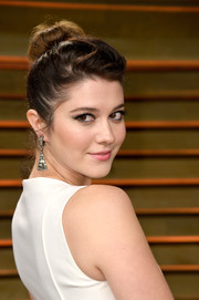 Mary Elizabeth Winstead pulled her hair up into a high bun for the Vanity Fair Oscar party.