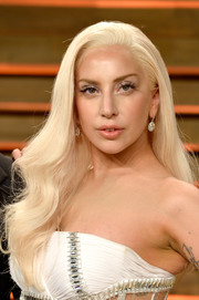 Lady Gaga tamed up for the Vanity Fair Oscar party, wearing her long hair in lovely, gentle waves.