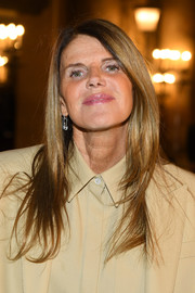 Anna dello Russo showed off a sleek layered cut at the Stella McCartney Fall 2019 show.