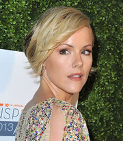 Kathleen Robertson's pinned blonde locks looked super soft and pretty.