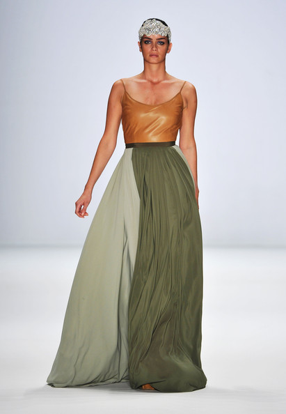Shermine Shahrivar strutted the runway showing a lovely maxi dress by Stephen Pelger at the Berlin Fashion Week.