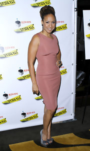 Tracie Thoms wore a pale pink sheath dress with bowed peep-toes to the 'Stick Fly' opening night.