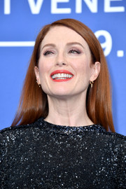 Julianne Moore looked simply elegant with her sleek straight 'do at the Venice Film Festival photocall for 'Suburbicon.'