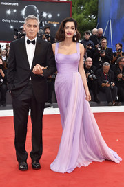 Amal Clooney was a stunner (as always) in a lavender Atelier Versace gown with a fitted bodice and a fluid skirt at the Venice Film Festival premiere of 'Suburbicon.'