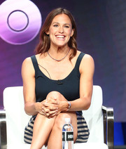 Jennifer Garner kept it breezy in a black tank top at the Summer 2018 TCA Press Tour.