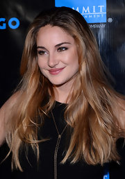 Shailene kept her caramel-highlighted locks flowing and natural at Comic-Con International 2013.