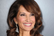 Susan Lucci Medium Wavy Cut